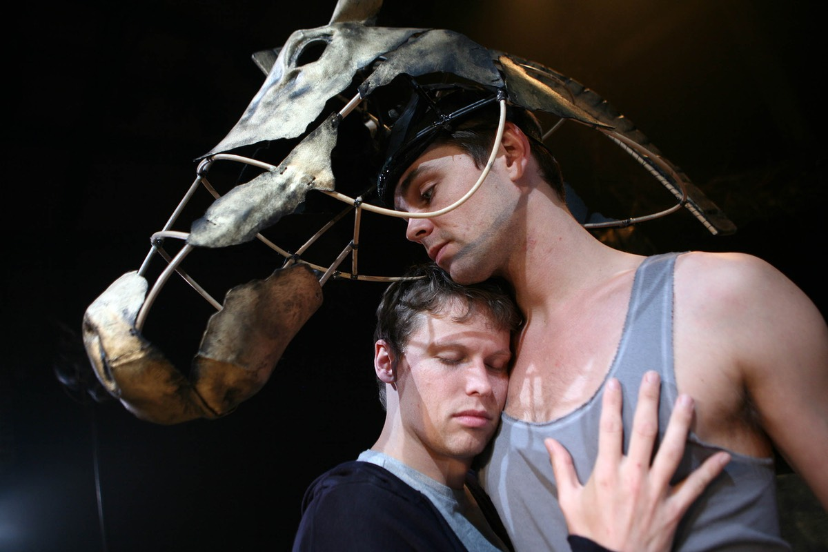 Equus 006 - Matthew Pattimore as Alan Strang, Aidan Downing as Nugget