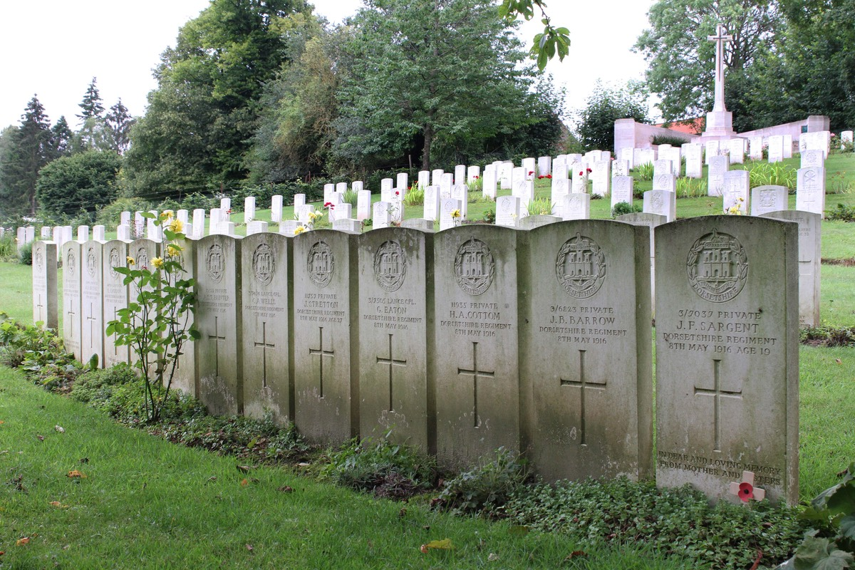 War Graves At Authuile France